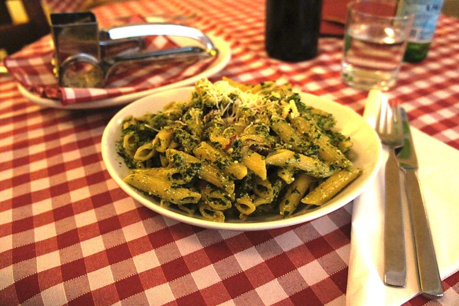 Osteria La Norma - Penne con Pesto Siciliano (c) Stern&Kringel