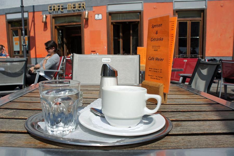 Café Meier - Gastgarten (c) Stern&Kringel