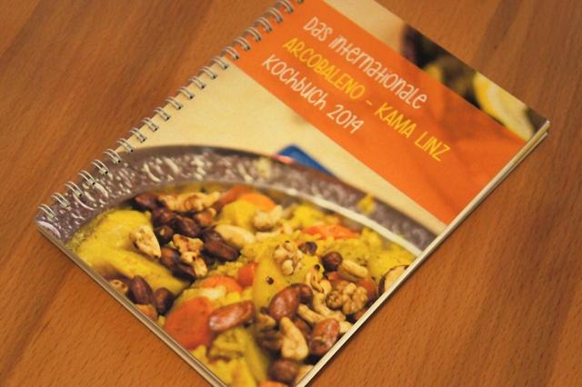 Das internationale Arcobaleno-Kama Kochbuch (c) Stern&Kringel