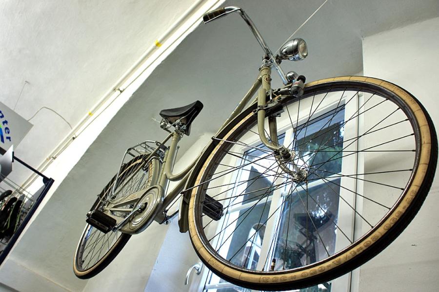 B7 Fahrradzentrum - Altes Waffenrad (c) Stern&Kringel